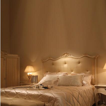 仿古白絲質雙人床(不含床墊)  (適用180*210cm床墊)  AD-880C