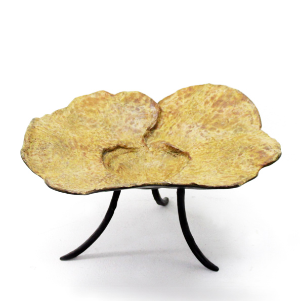 D-034 銅製飾品 (28x30x15h)$3,800